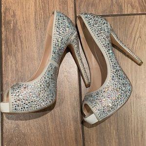 Shoes - LAUREN LORRAINE  diamond  💎shoes size 8.5 fit 7.5